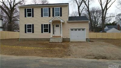Ronkonkoma Single Family Home For Sale: Winchester Rd