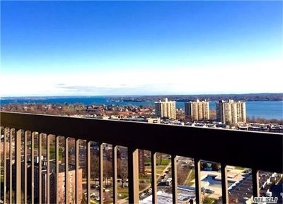 Bayside Condo/Townhouse For Sale: 2 Bay Club Dr #17Z2