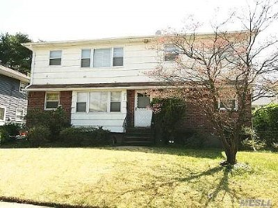 W. Hempstead Single Family Home For Sale: 212 Oakford St