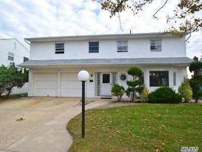 Oceanside Single Family Home For Sale: 3929 Greentree Dr