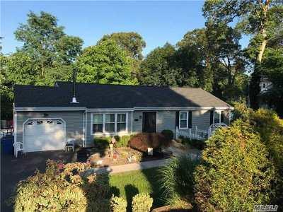 Nesconset Single Family Home For Sale: 17 Park Cir