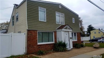 Levittown Single Family Home For Sale: 148 Wantagh Ave