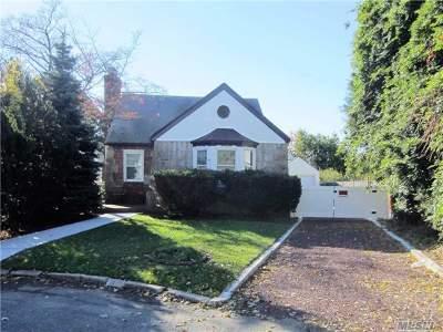 Single Family Home For Sale: 44 Herrick Dr