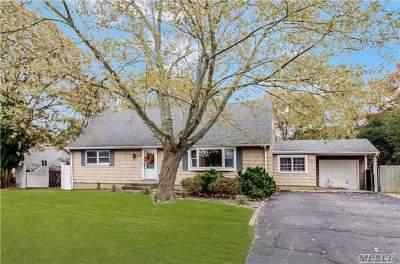Bohemia Single Family Home For Sale: 239 Blake Ave