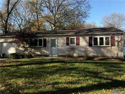 Middle Island Single Family Home For Sale: 25 Denis Ln