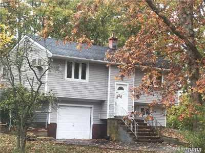 S. Setauket Single Family Home For Sale: 13 Tracker Ln
