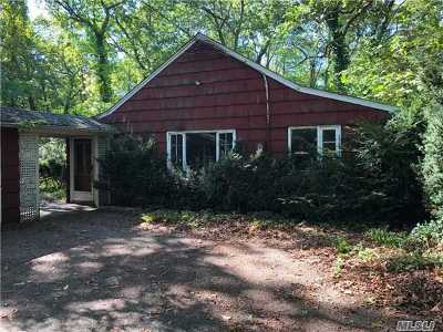 Centerport Single Family Home For Sale: 137 Little Neck Rd