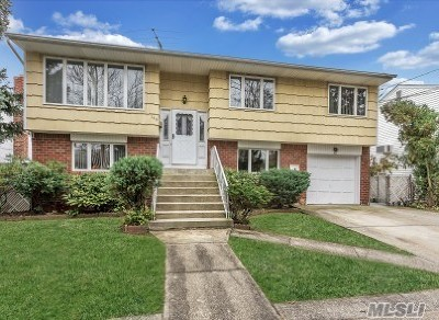 Lynbrook Single Family Home For Sale: 140 Union Ave