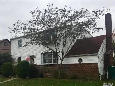 Bellmore Single Family Home For Sale: 2484 Bellmore Ave