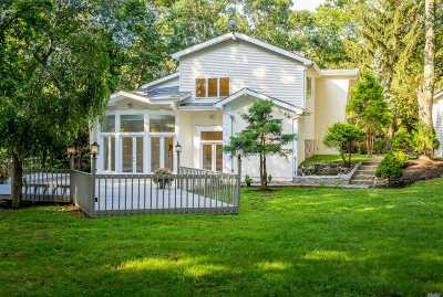 Smithtown Single Family Home For Sale: 65 Stony Hill Path