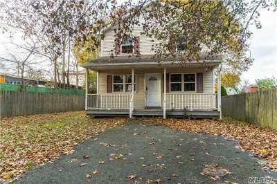 Huntington Single Family Home For Sale: 119 E 10th St