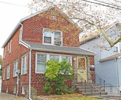 Queens County Single Family Home For Sale: 91-22 Vanderveer St