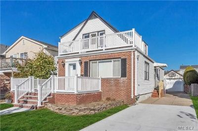 Nassau County Multi Family Home For Sale: 253 W Hudson St