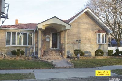 Queens County Single Family Home For Sale: 147-27 257th St