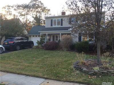 Nassau County Single Family Home For Sale: 188 Duckpond Dr