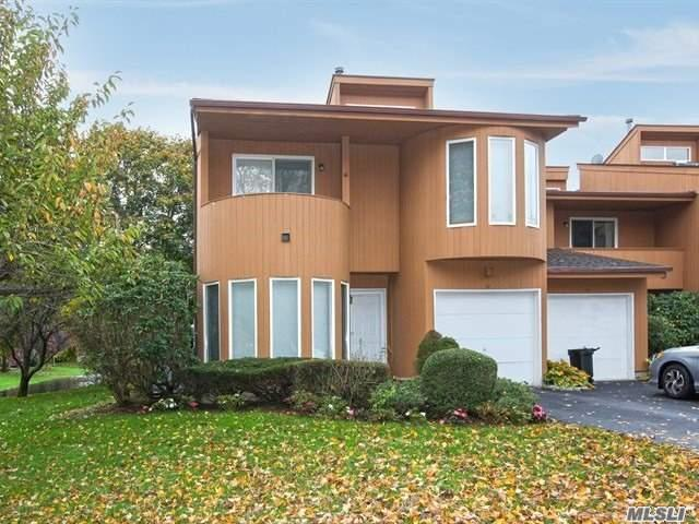 3 bed / 2 full, 1 partial baths Condo/Townhouse in Hauppauge for $429,000