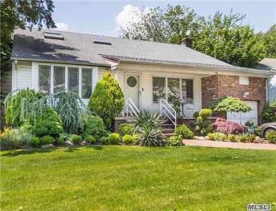 Nassau County Single Family Home For Sale: 805 Oakleigh Rd
