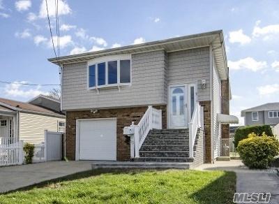 Lindenhurst Single Family Home For Sale: 33 W Neptune Ave