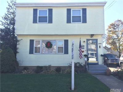 Nassau County Single Family Home For Sale: 2670 Wilson Ave