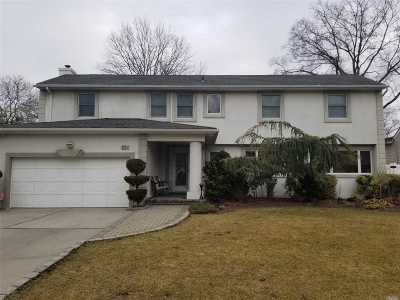 Nassau County Single Family Home For Sale: 824 Oakleigh Rd