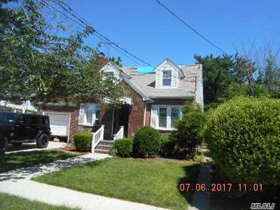 Nassau County Single Family Home For Sale: 14 Evans Ave