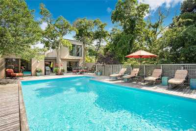 Suffolk County Single Family Home For Sale: 605 Shore Walk