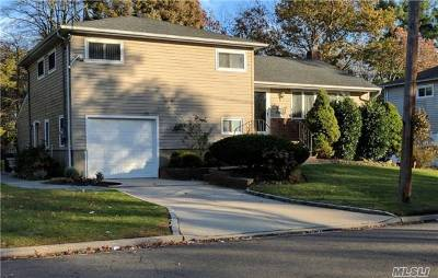 Nassau County Single Family Home For Sale: 157 East Dr