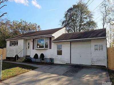 Suffolk County Single Family Home For Sale: 60 Cypress St