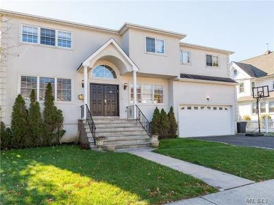 Woodmere Single Family Home For Sale: 45 Centre St