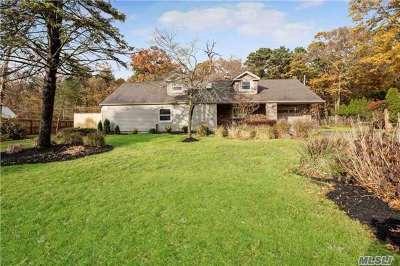 Farmingville Single Family Home For Sale: 53 Lakeside Dr