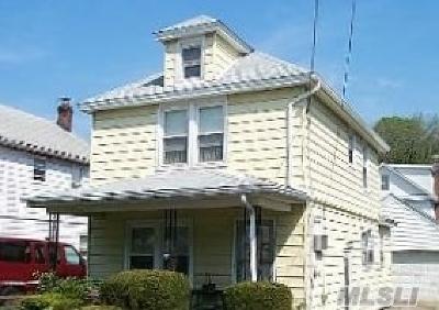 Port Washington Single Family Home For Sale: 135 Bayview