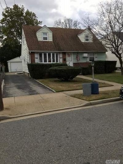 Garden City Single Family Home For Sale: 48 2nd St