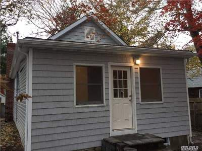 Sound Beach Single Family Home For Sale: 11 Great River Dr