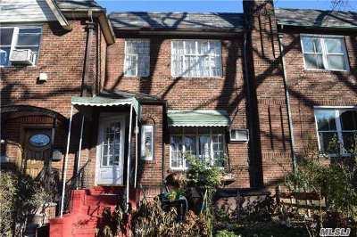 Jamaica Estates Single Family Home For Sale: 82-73 164 Pl