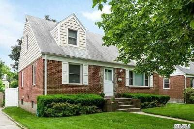 Lynbrook Single Family Home For Sale: 449 Peninsula Blvd