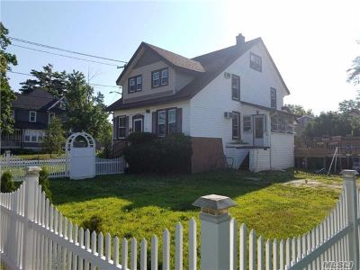 Oceanside Single Family Home For Sale: 2873 Rockaway Ave
