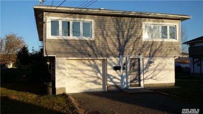 Freeport Single Family Home For Sale: 665 Miller Ave