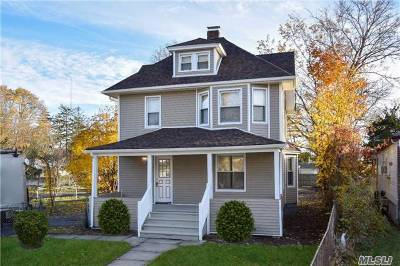 Freeport Single Family Home For Sale: 73 Southside Ave