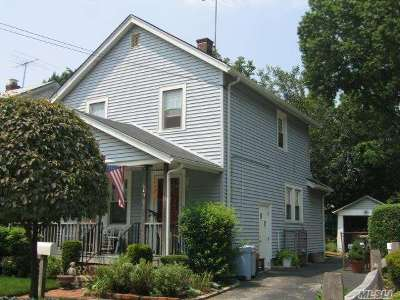 Westbury Single Family Home For Sale: 47 Locust St