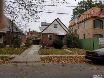 Fresh Meadows Single Family Home For Sale: 76-39 171 St