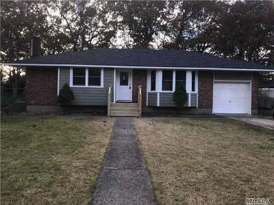 Islip Single Family Home For Sale: 80 Otis Rd