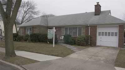 Bellerose, Glen Oaks Single Family Home For Sale: 85-16 246th St