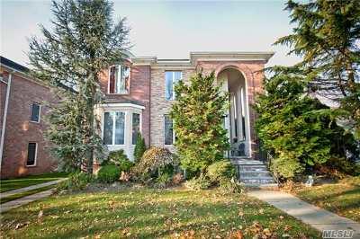 Douglaston Single Family Home For Sale: 71-56 244 St
