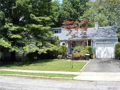 Syosset Single Family Home For Sale: 11 Gary Rd
