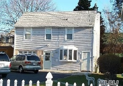 Westbury NY Single Family Home For Sale: $359,000