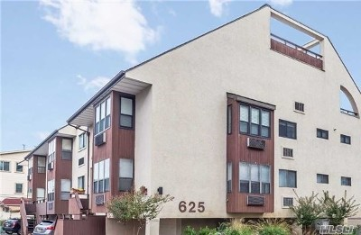 Long Beach NY Condo/Townhouse For Sale: $415,000