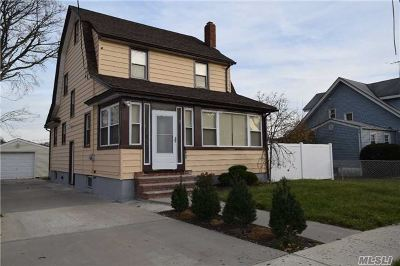 Freeport Single Family Home For Sale: 108 Harrison Ave