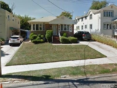 Fresh Meadows Single Family Home For Sale: 6932 166 St