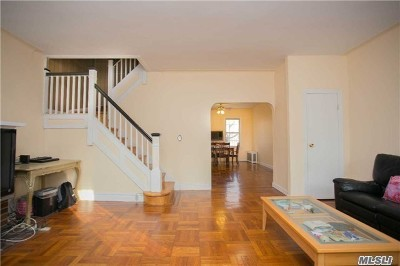 Jackson Heights Single Family Home For Sale: 34-23 72nd St