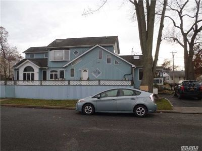 Merrick Single Family Home For Sale: 1911 Meadowbrook Rd
